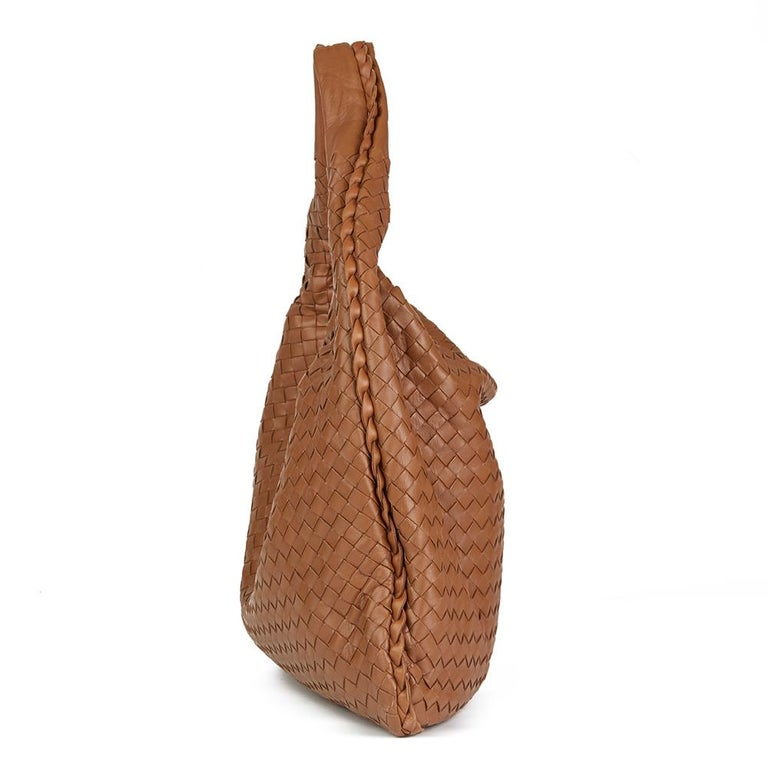 d44f8cbeb23c 2007 Bottega Veneta Light Brown Woven Lambskin Leather Medium Veneta Bag In  Excellent Condition For Sale