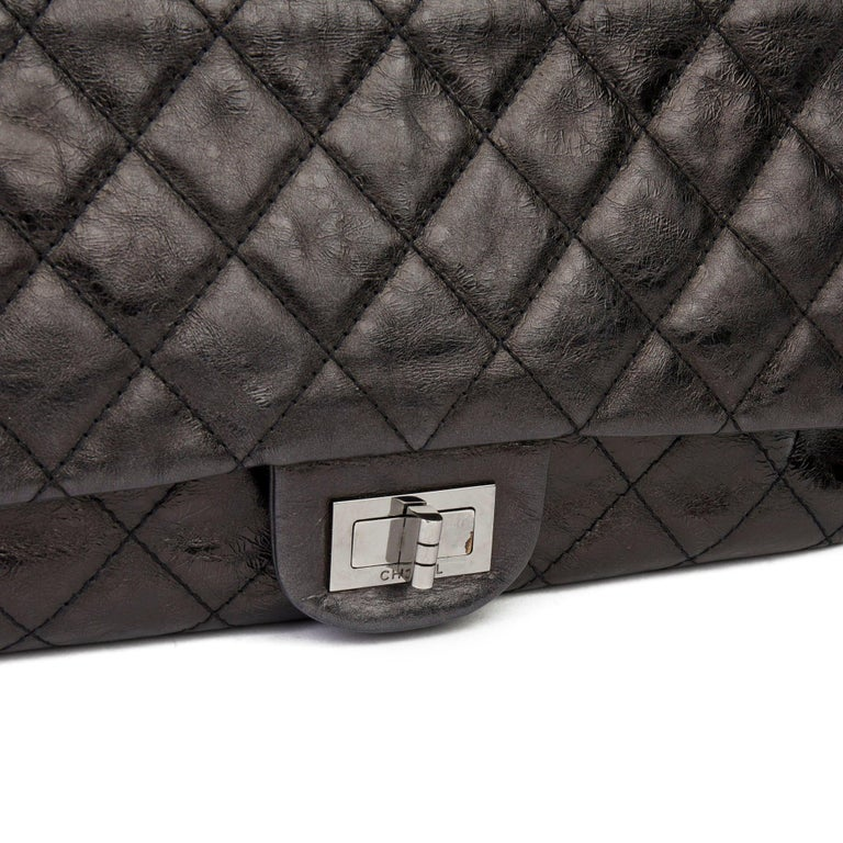 2007 Chanel Black Quilted Metallic Aged Calfskin 2.55 Reissue Double Flap Bag For Sale 2