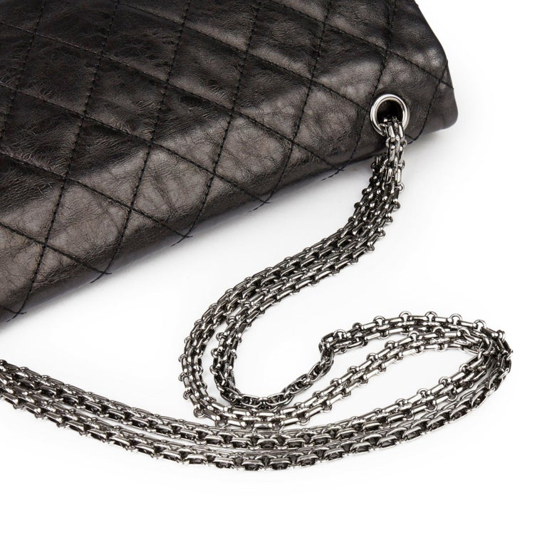 2007 Chanel Black Quilted Metallic Aged Calfskin 2.55 Reissue Double Flap Bag For Sale 3