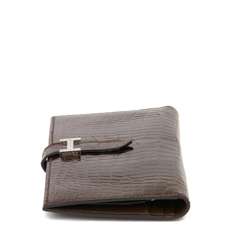 2007 Hermès Havane Shiny Porosus Crocodile Leather Diamond Bearn Wallet In Excellent Condition For Sale In Bishop's Stortford, Hertfordshire