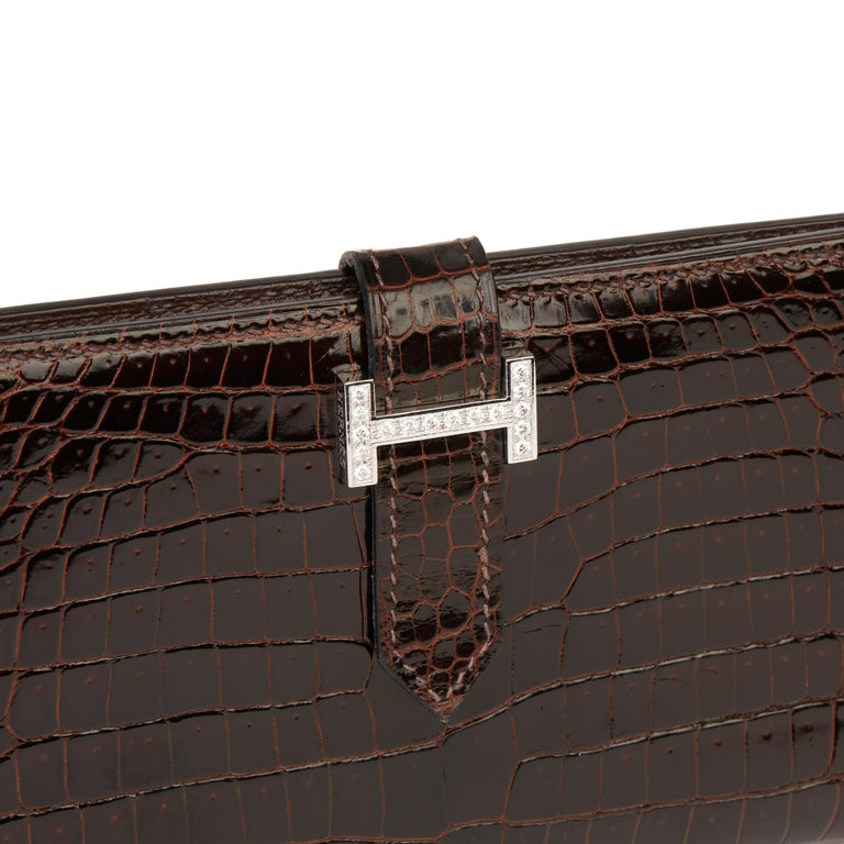 2007 Hermès Havane Shiny Porosus Crocodile Leather Diamond Bearn Wallet For Sale 3