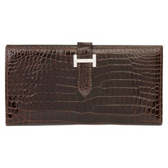 2007 Hermès Havane Shiny Porosus Crocodile Leather Diamond Bearn Wallet