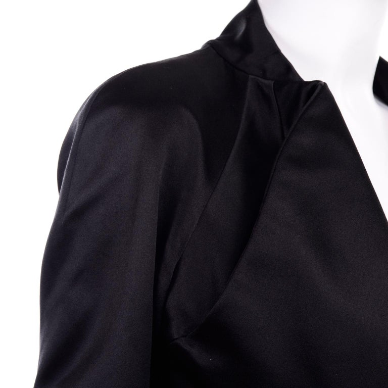 2009 Alexander McQueen Black Silk Cutaway Cropped Tuxedo Jacket With Tails For Sale 8