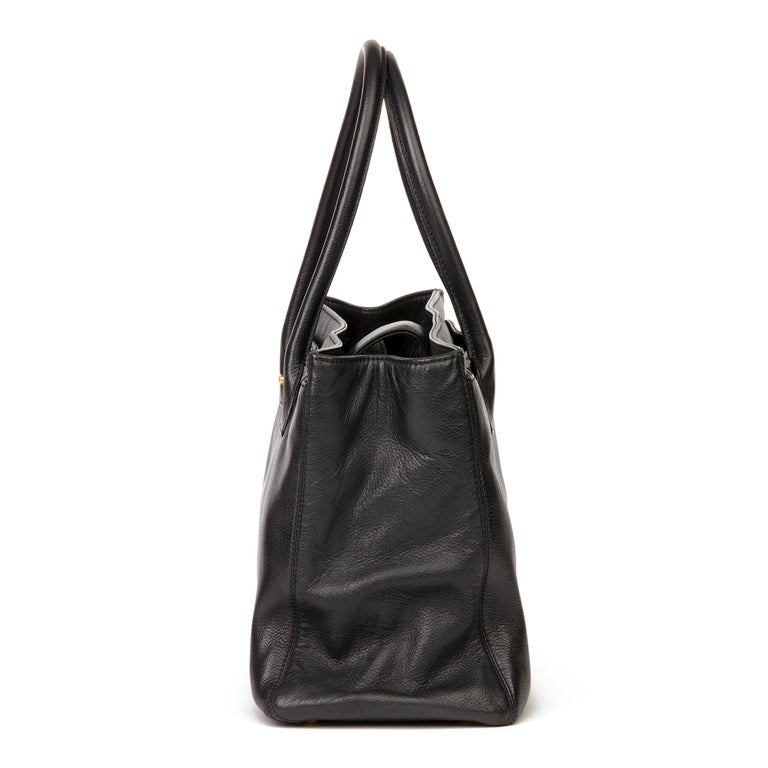 Women's 2009 Chanel Black Calfskin Leather Cerf Tote For Sale