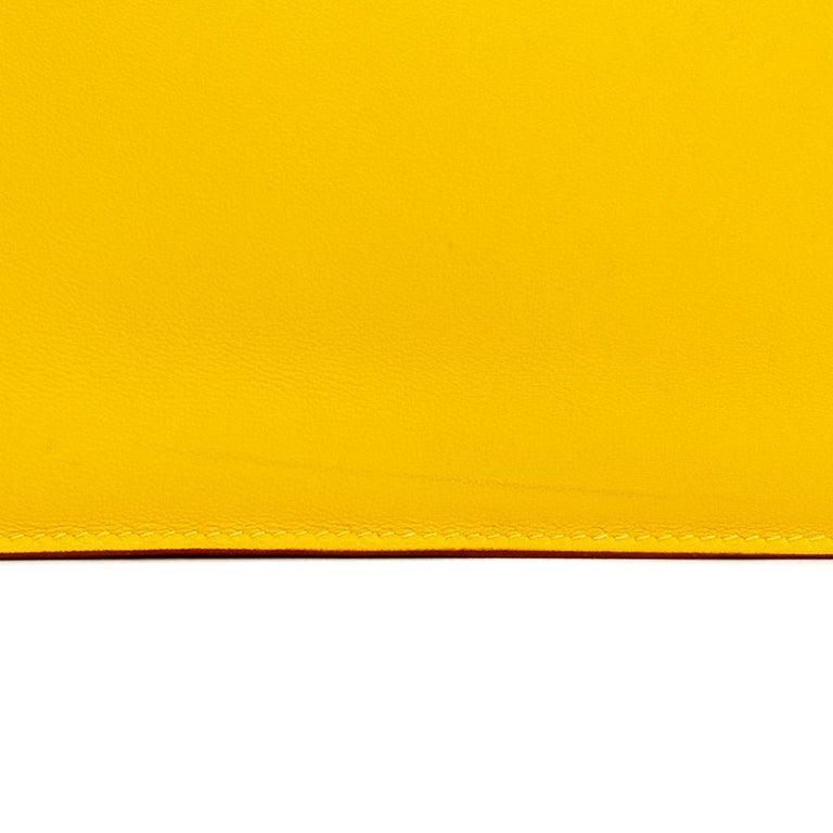2009 Hermès Jaune d'or Swift Leather Kelly Danse For Sale 7