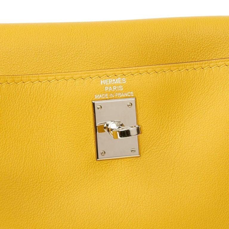 2009 Hermès Jaune d'or Swift Leather Kelly Danse For Sale 3