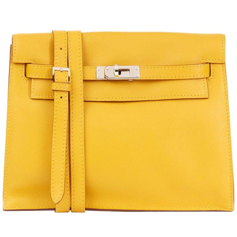 2009 Hermès Jaune d'or Swift Leather Kelly Danse For Sale
