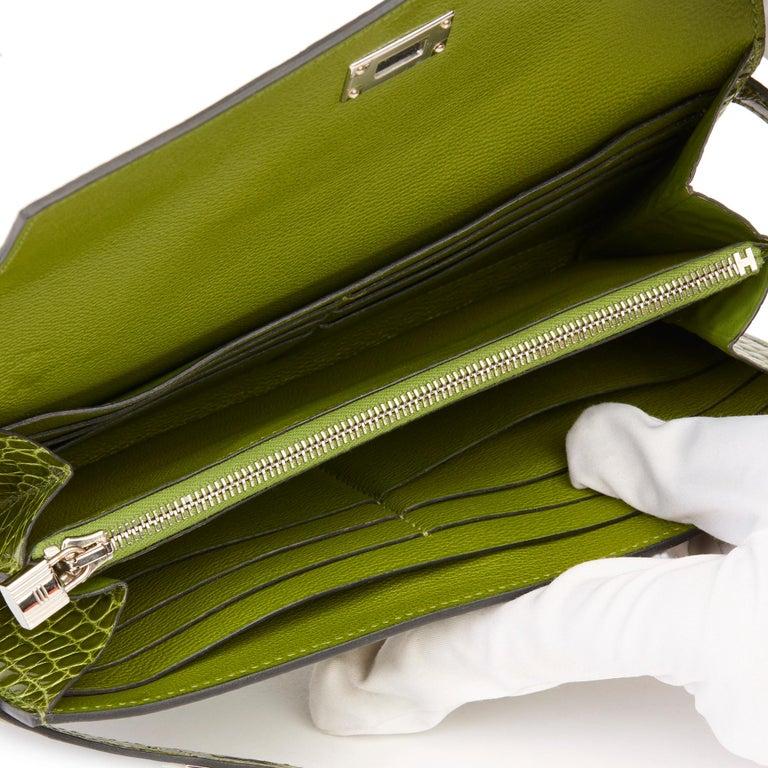 2009 Hermès Vert Perlouse Shiny Alligator Leather Kelly Long Wallet For Sale 7