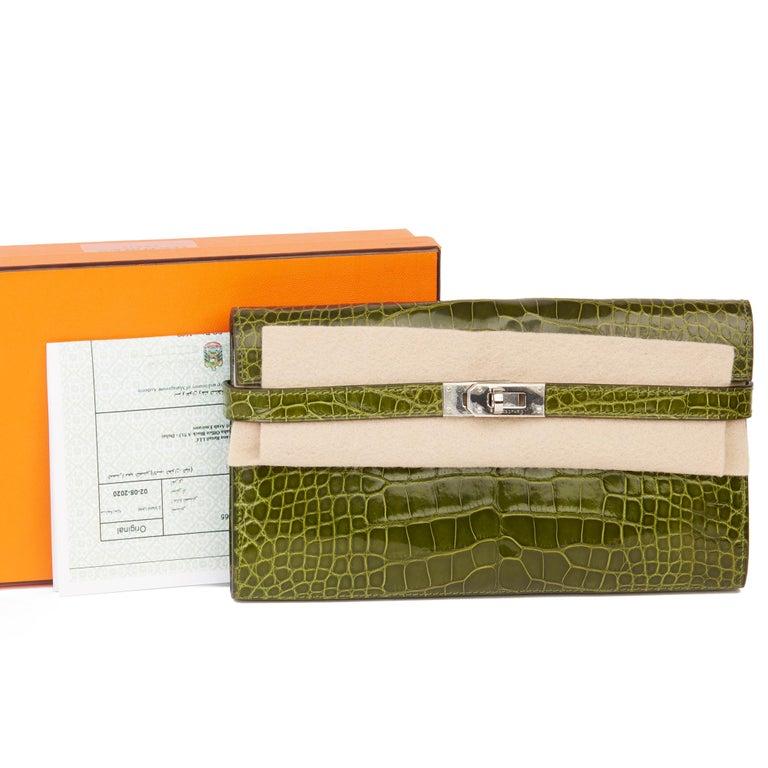 2009 Hermès Vert Perlouse Shiny Alligator Leather Kelly Long Wallet For Sale 8