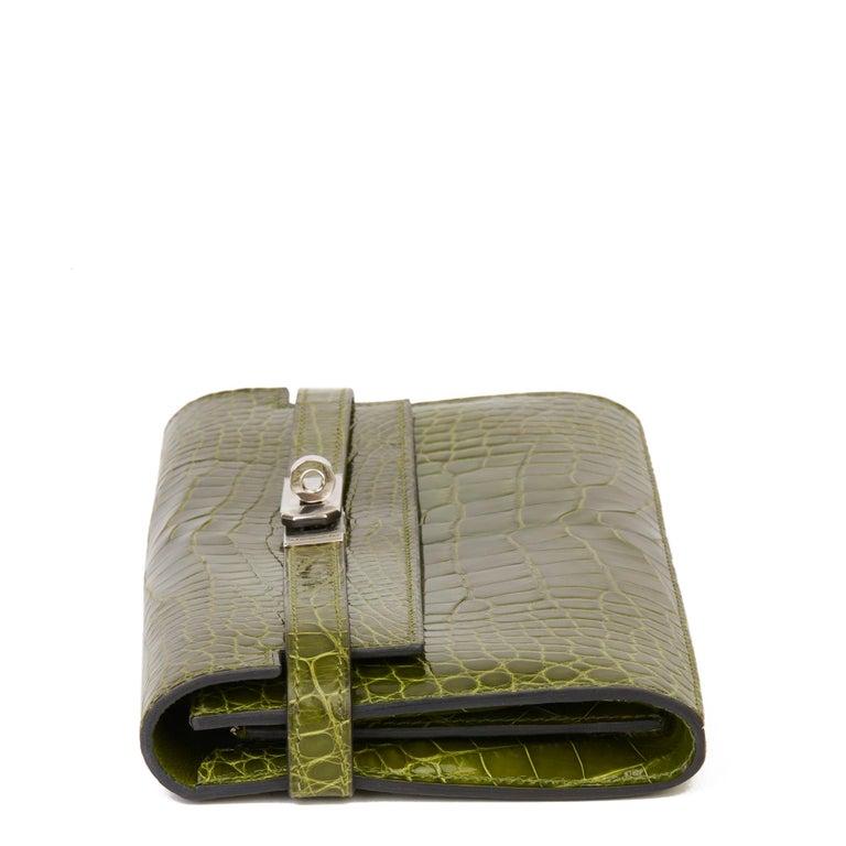 2009 Hermès Vert Perlouse Shiny Alligator Leather Kelly Long Wallet In Excellent Condition For Sale In Bishop's Stortford, Hertfordshire