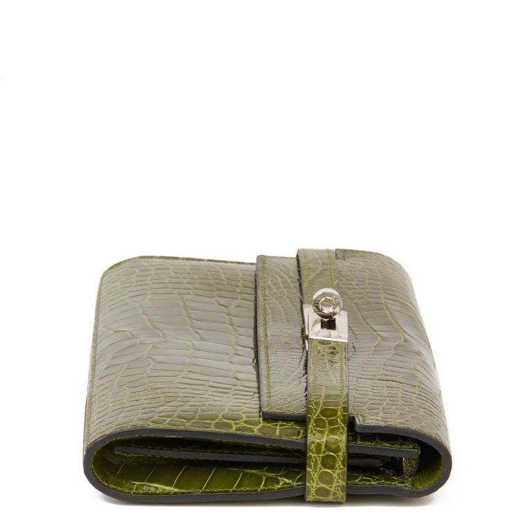 Women's 2009 Hermès Vert Perlouse Shiny Alligator Leather Kelly Long Wallet For Sale