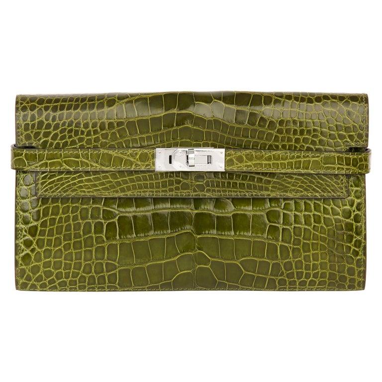 2009 Hermès Vert Perlouse Shiny Alligator Leather Kelly Long Wallet For Sale