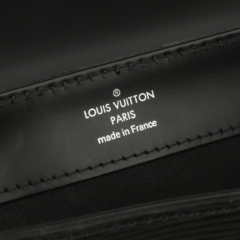 2009 Louis Vuitton Black Epi Leather & Black Calfskin Leather Beverly Bag For Sale 5