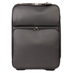 2009 Louis Vuitton Black Taiga Leather Pégase 55 Business