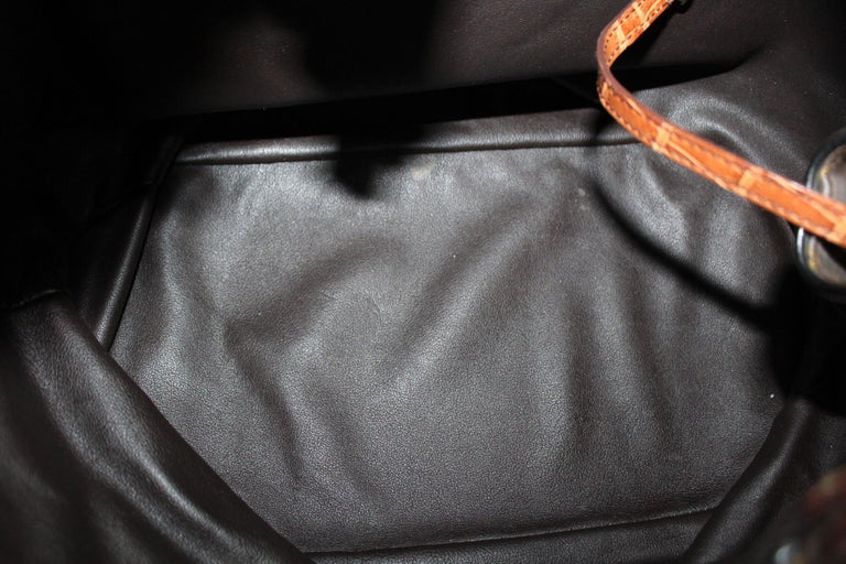 2009 Louis Vuitton Monogram Leather Mahina Limited Edition Bag For Sale 3