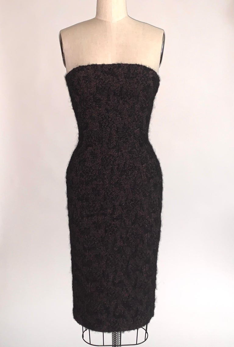 2009 Runway Bottega Veneta Black and Pink Strapless Mohair Boucle Dress In Good Condition For Sale In San Francisco, CA
