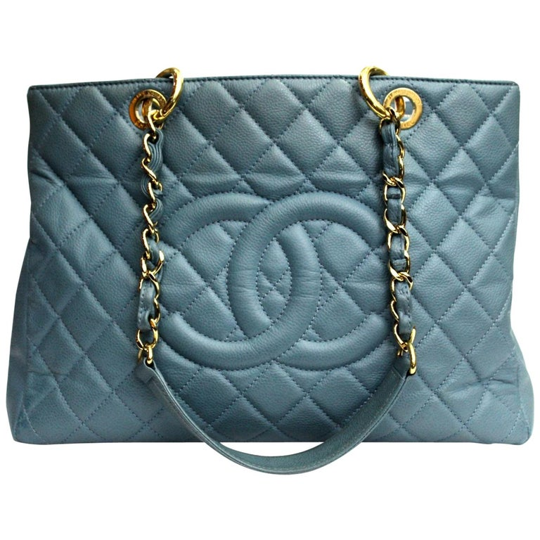 23bebc09ccb6 2009\2010 Chanel Light Blue Leather Gst Bag For Sale at 1stdibs