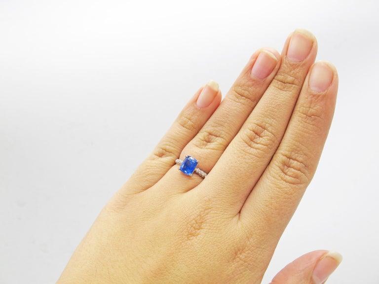 Women's or Men's 2.01 Carat Cushion Cut Natural Ceylon Sapphire Diamond Platinum Engagement Ring For Sale