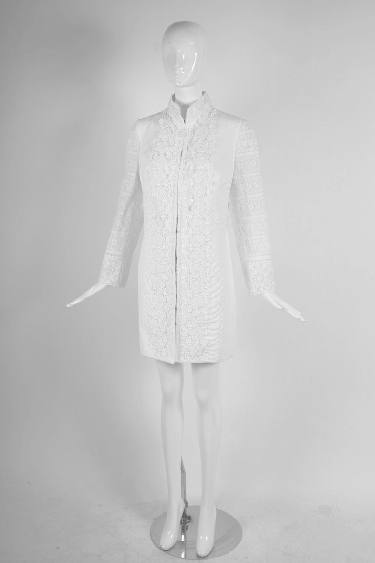 Gray 2010 Andrew Gn Atelier White Lace Long Sleeved Jacket Coat For Sale
