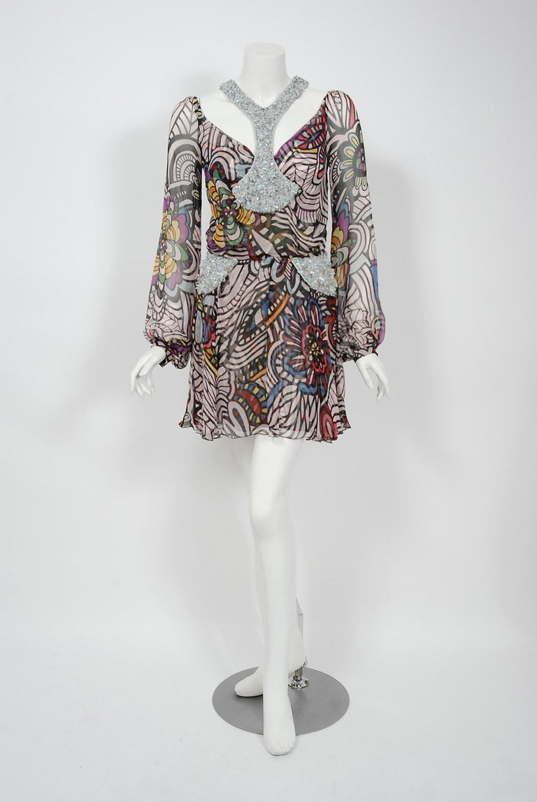 Beautiful 2010 Missoni designer runway dress with tags that retailed for over $3,000 when new. Redefining an entire genre of fashion, Missoni launched to fame as the boho chic trends coincided with Missoni's unique psychedelic prints. The signed