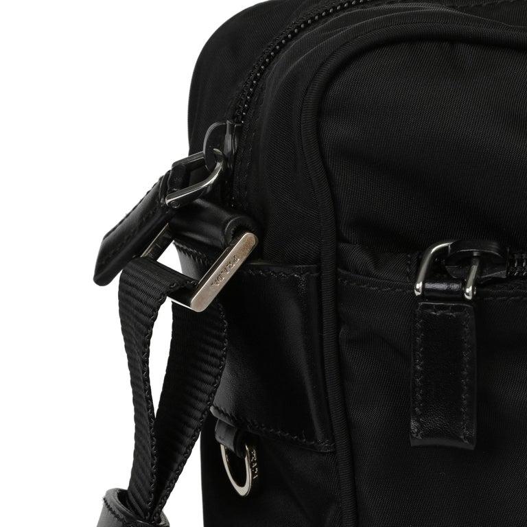 2010 Prada Black Nylon & Calfskin Leather Camera Bag In Excellent Condition For Sale In Bishop's Stortford, Hertfordshire