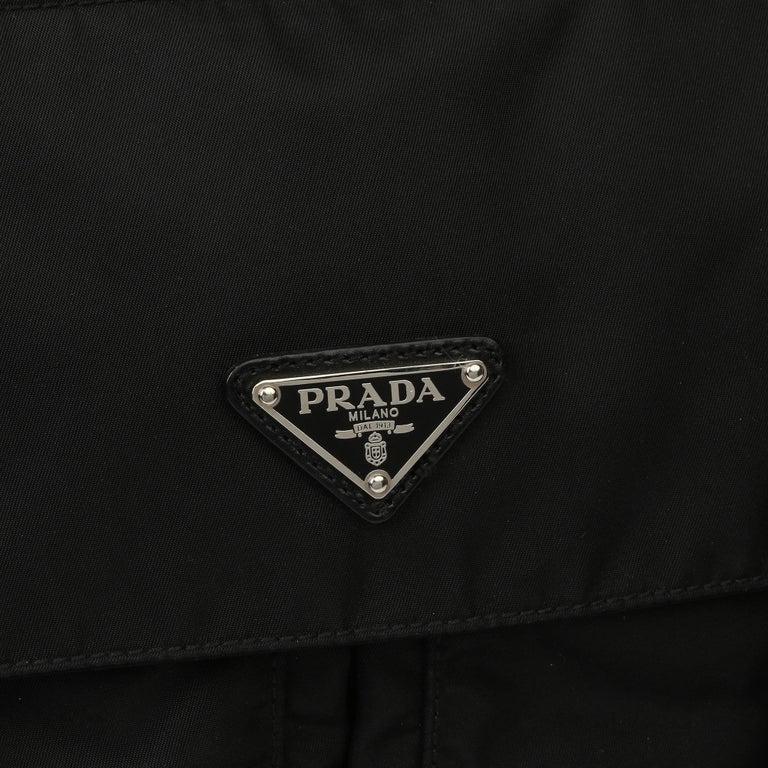 2010 Prada Black Nylon & Calfskin Leather Medium Shoulder Bag For Sale 3