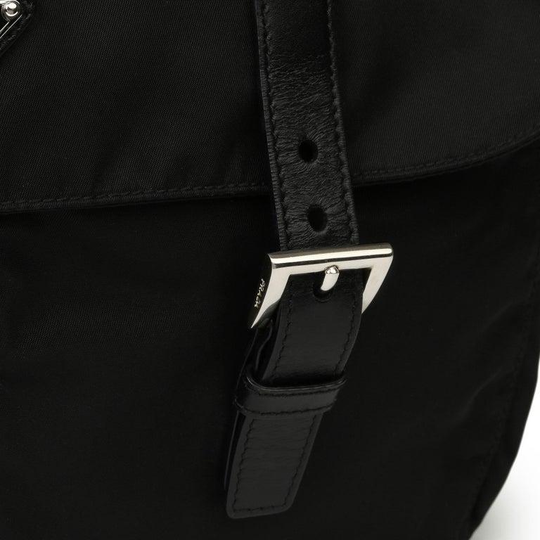 2010 Prada Black Nylon & Calfskin Leather Medium Shoulder Bag For Sale 4