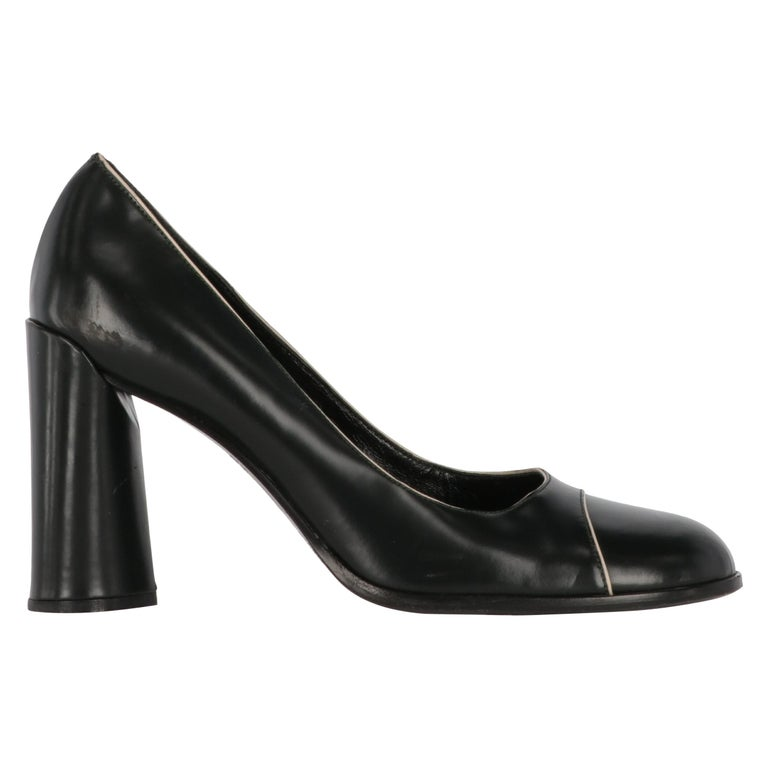 2010s Prada Black Leather Pumps For Sale