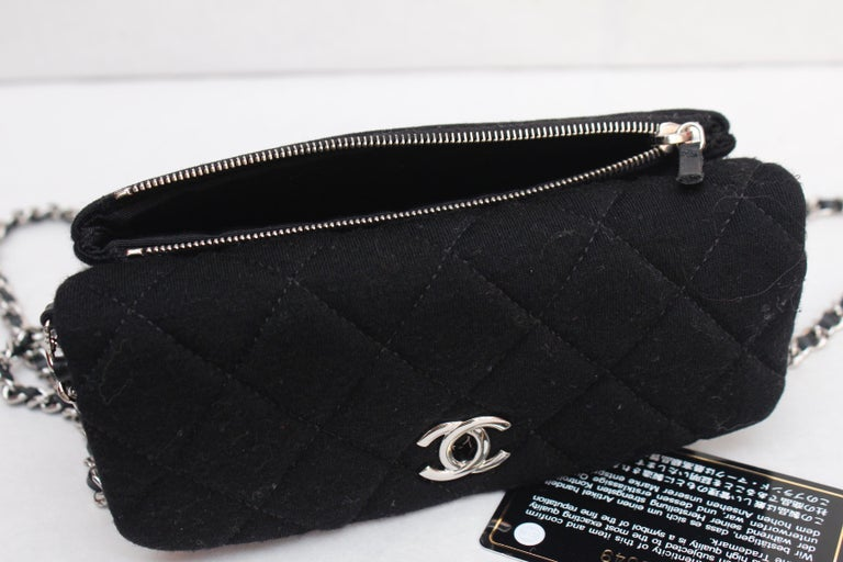 2011 Chanel nice little bag in black quilted jersey For Sale 4