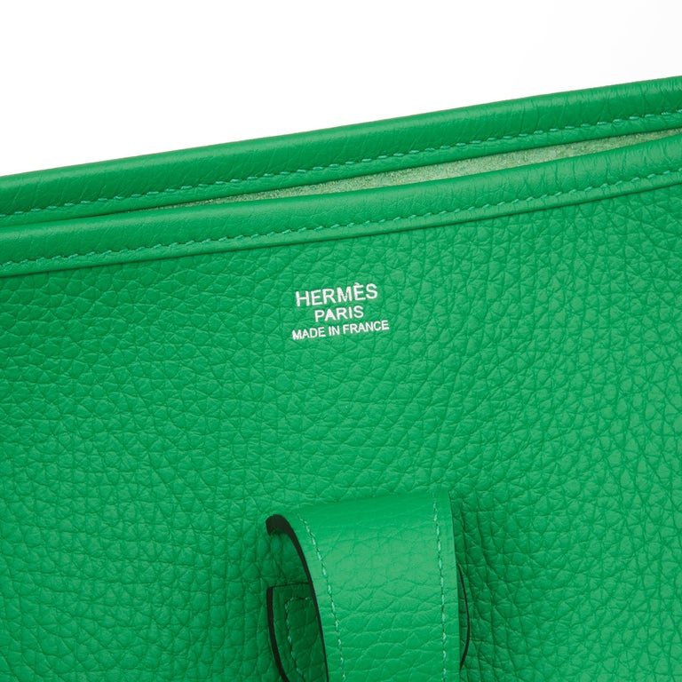 2013 Hermès Bamboo Clemence Leather Evelyne III 33 For Sale 5