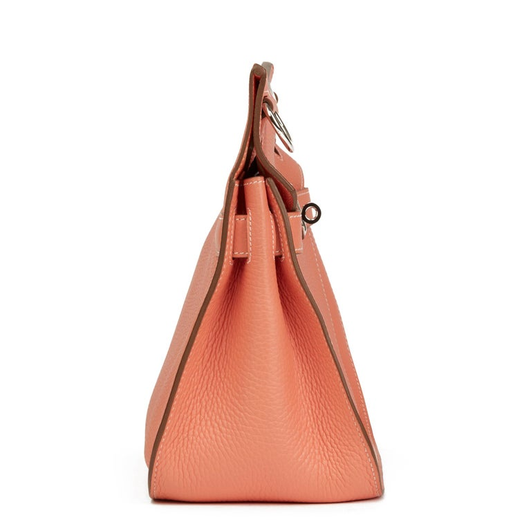 HERMÈS Crevette Togo Leather Jypsiere 31cm  Xupes Reference: HB2864 Serial Number: [Q] Age (Circa): 2013 Accompanied By: Hermès Dust Bag Authenticity Details: Date Stamp (Made in France) Gender: Ladies Type: Shoulder, Crossbody  Colour: