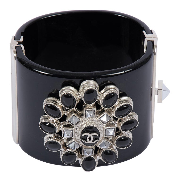 2014 Chanel Black & Hemtatite Lucite Cuff Bracelet For Sale