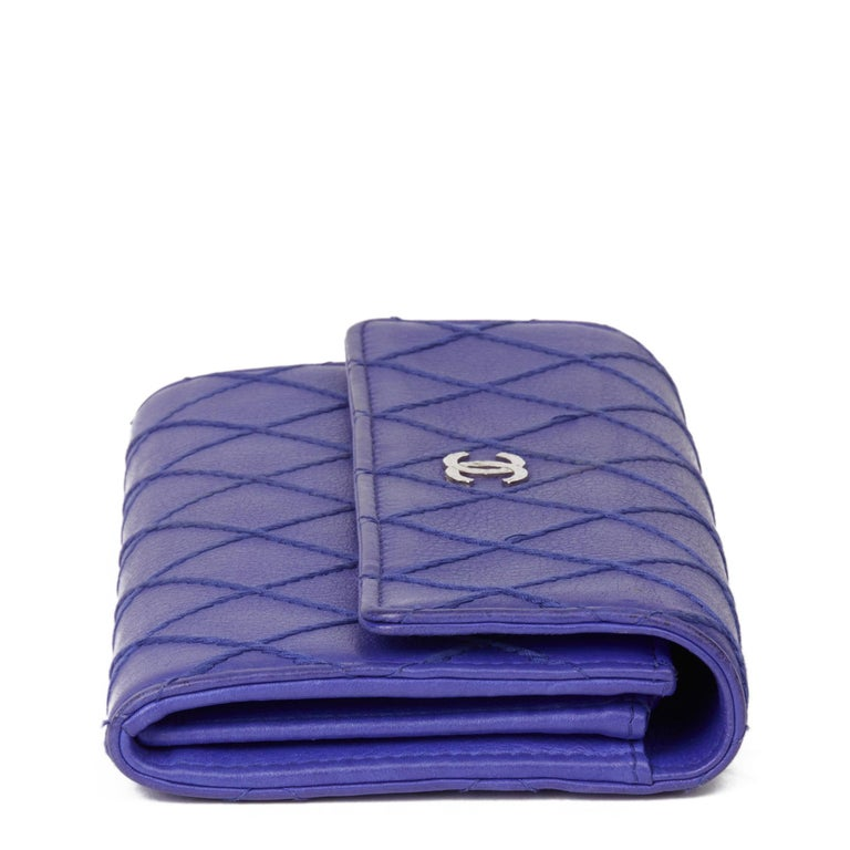 2014 Chanel Electric Blue Quilted Lambskin Wallet  In Good Condition For Sale In Bishop's Stortford, Hertfordshire