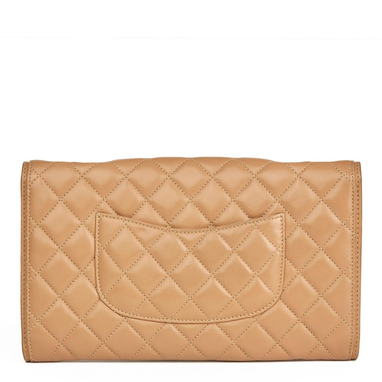 2014 Chanel Mocha Quilted Lambskin Classic Single Flap Bag In Excellent Condition For Sale In Bishop's Stortford, Hertfordshire