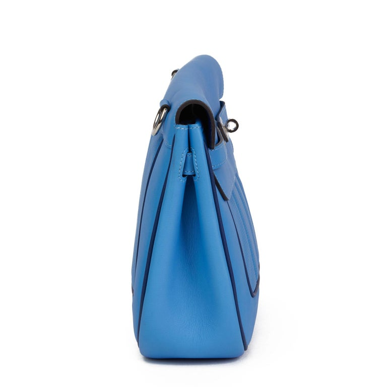 2014 Hermès Blue Paradis & Blue Saphir Perforated Swift Leather Berlin 28cm  In Excellent Condition For Sale In Bishop's Stortford, Hertfordshire