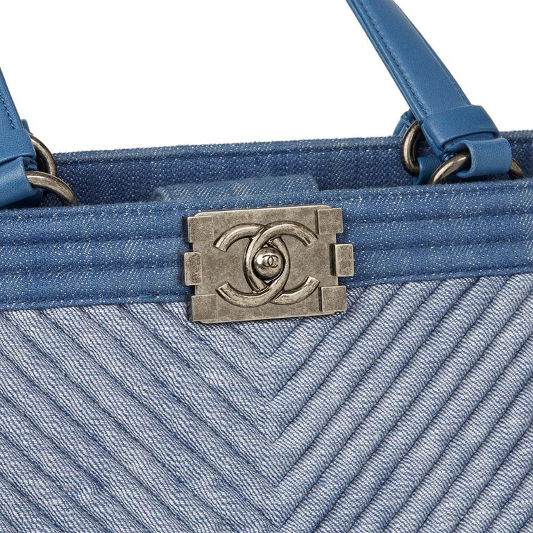 2015 Chanel Blue Chevron Quilted Denim Le Boy Tote For Sale 2