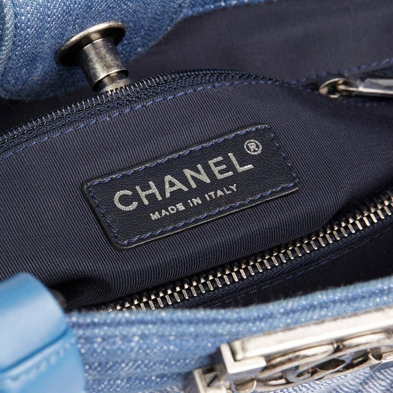 2015 Chanel Blue Chevron Quilted Denim Le Boy Tote For Sale 4