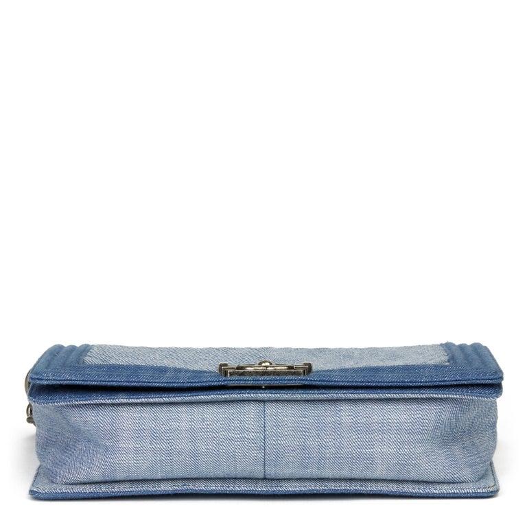 2015 Chanel Blue Chevron Quilted Denim New Medium Le Boy For Sale 1