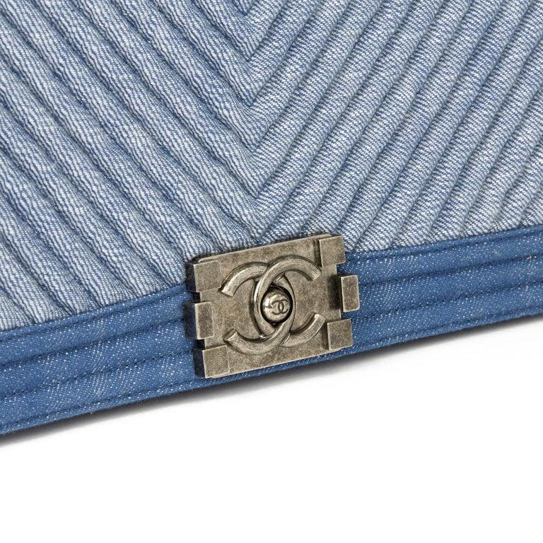 2015 Chanel Blue Chevron Quilted Denim New Medium Le Boy For Sale 2