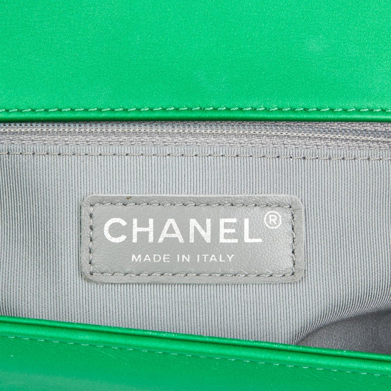 157789168275ab 2015 Chanel Green Quilted Metallic Lambskin Leather New Medium Le Boy For  Sale 4