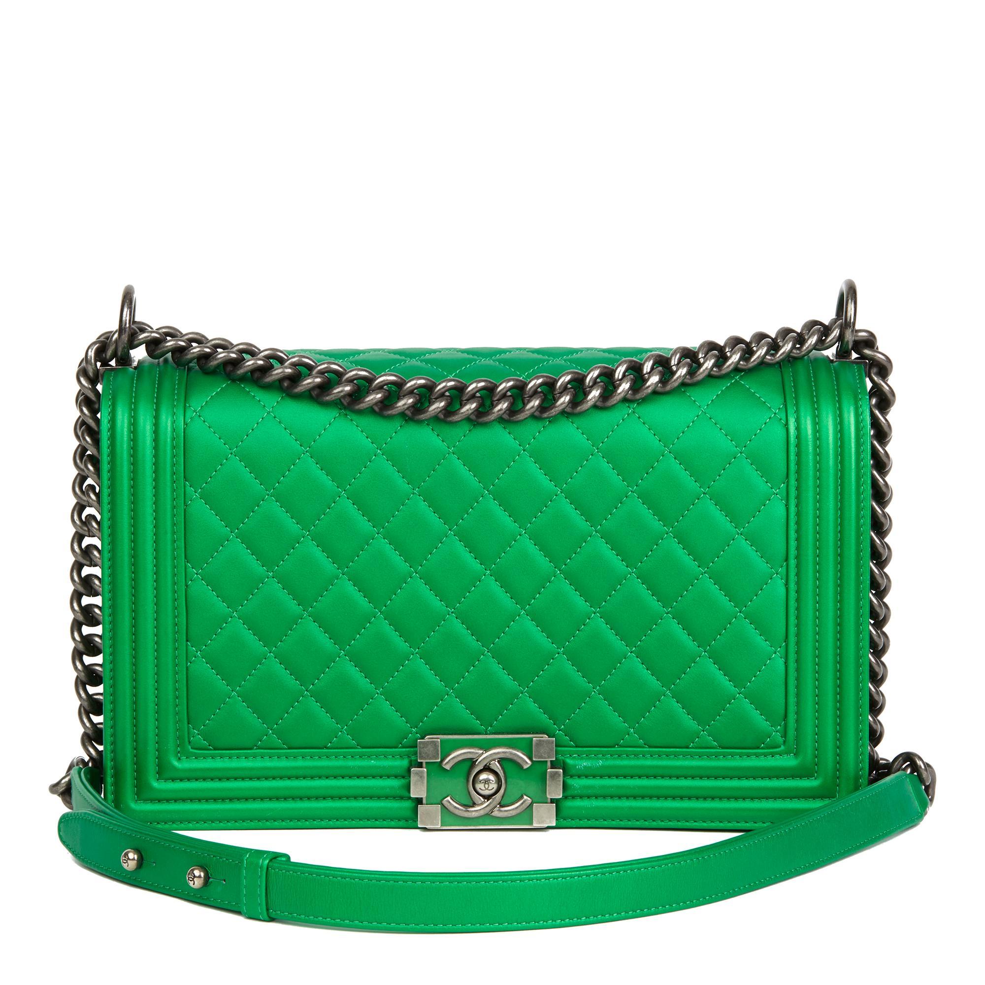 c2e6b13b9caa Chanel Boy Bags - 256 For Sale on 1stdibs