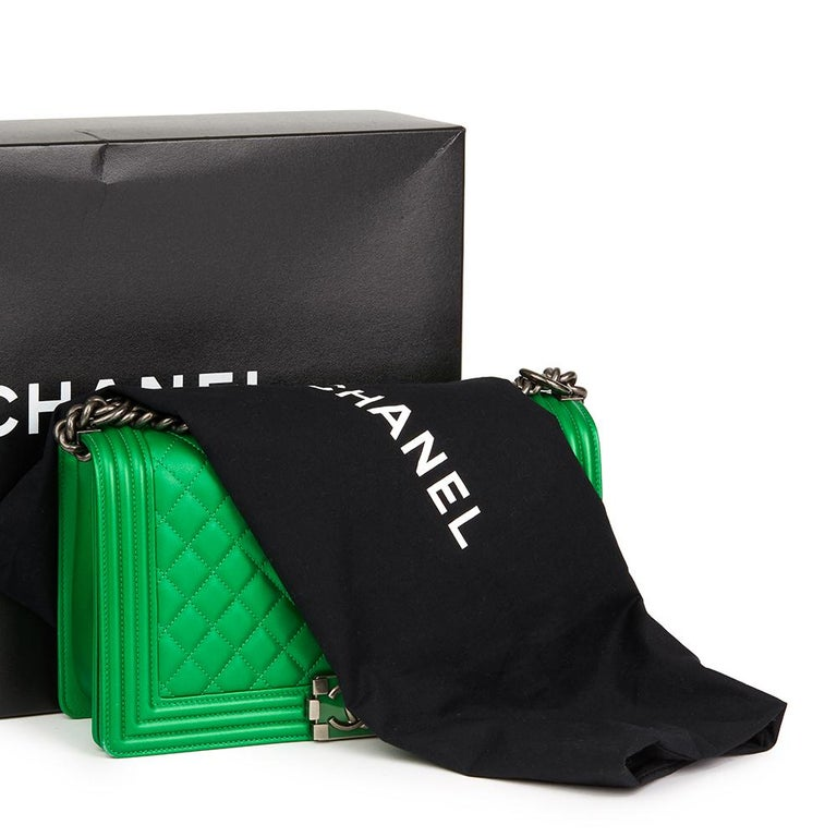 870fab5d5b8445 2015 Chanel Green Quilted Metallic Lambskin New Medium Le Boy For Sale 7