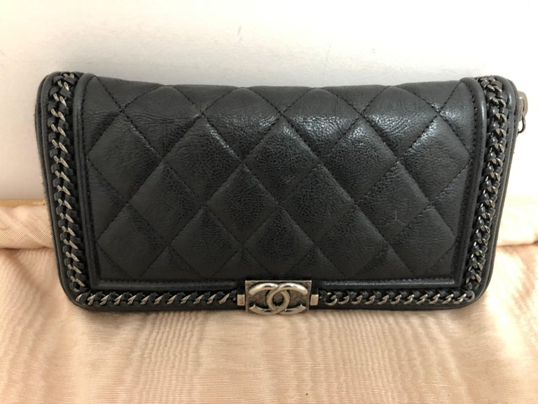 2016-17 Limited Edition Black Boy Chanel Long Wallet/Clutch Series 22 In Excellent Condition For Sale In Port Hope, ON