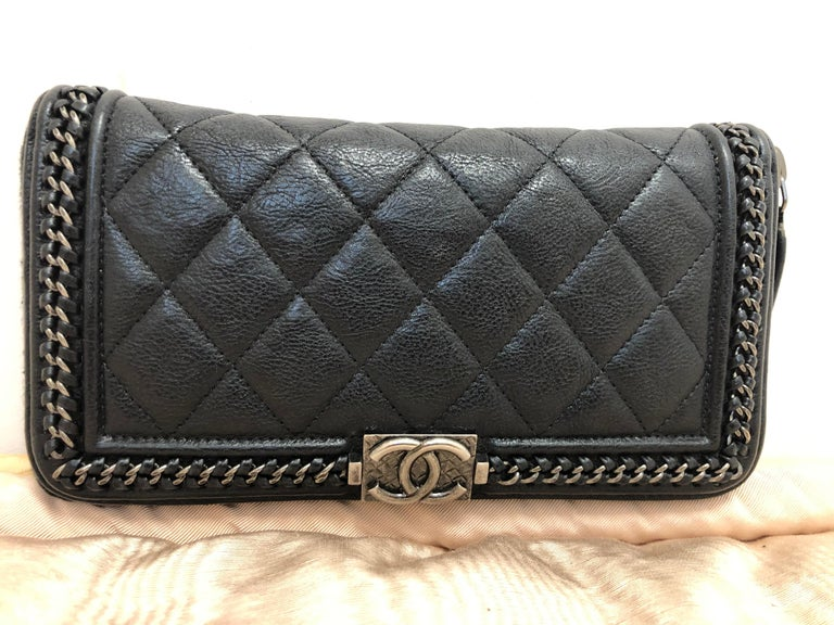 2016-17 Limited Edition Black Boy Chanel Long Wallet/Clutch Series 22 For Sale 5