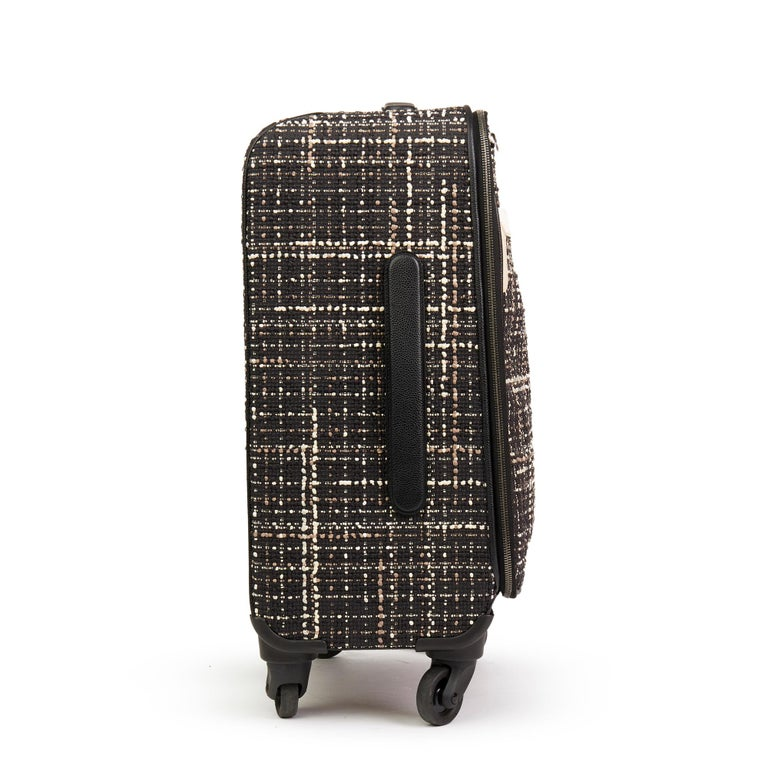 2016 Chanel Black Tweed & Caviar Leather Jacket Trolley Rolling Suitcase In Excellent Condition For Sale In Bishop's Stortford, Hertfordshire