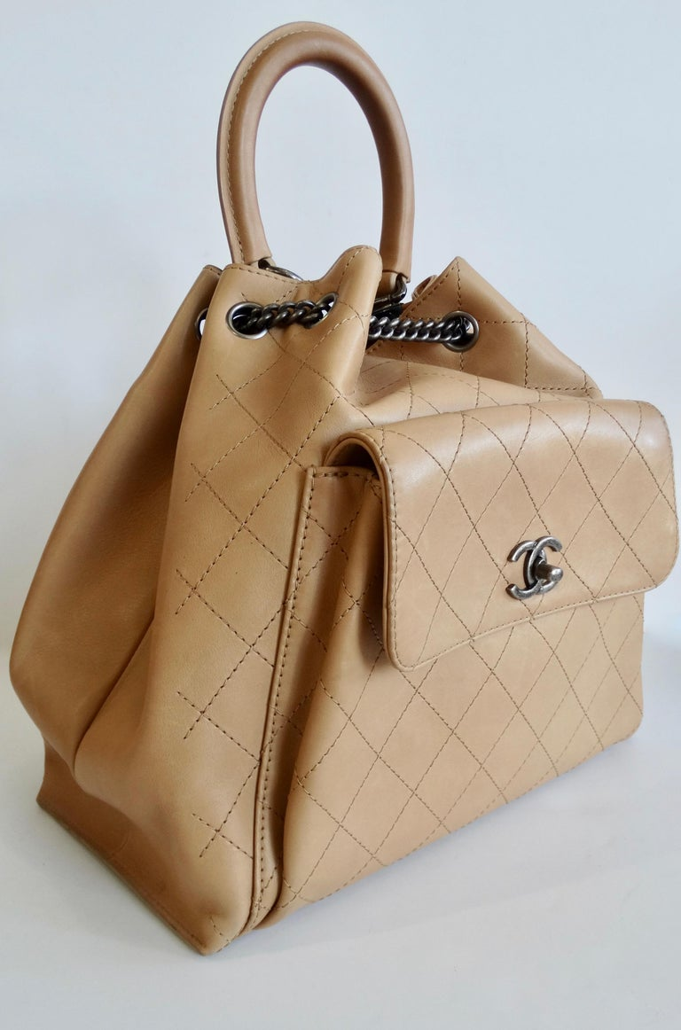 2016 Chanel Tan Quilted Drawstring Backpack  For Sale 7