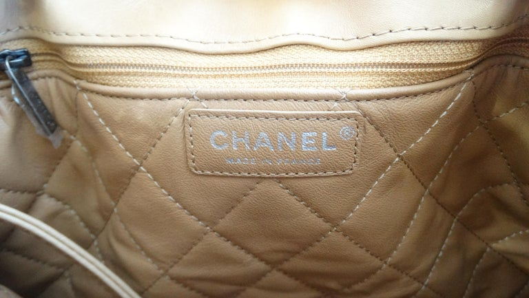 2016 Chanel Tan Quilted Drawstring Backpack  For Sale 8