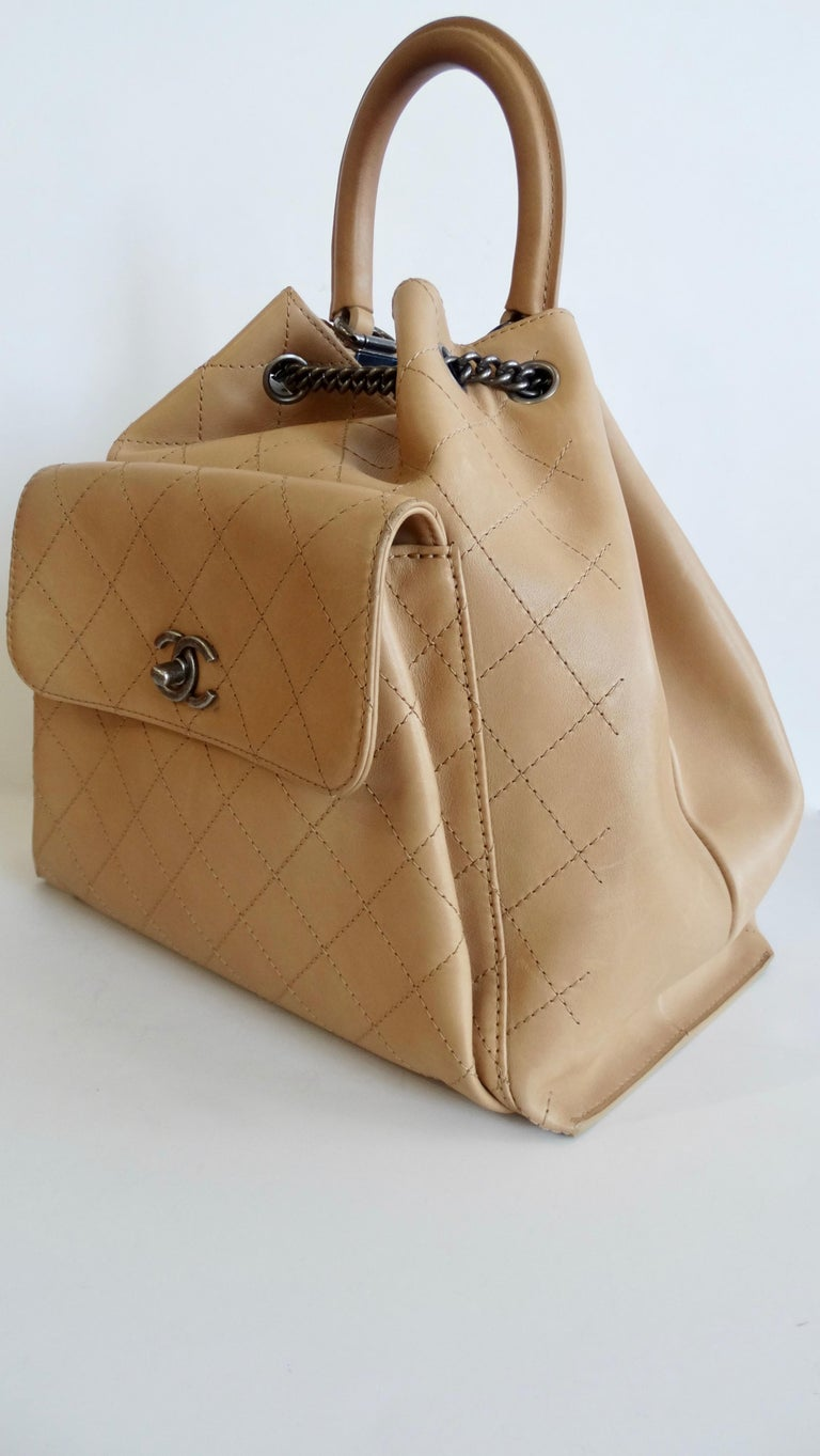 2016 Chanel Tan Quilted Drawstring Backpack  For Sale 2