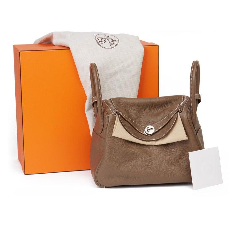 2016 Hermès Etoupe Clemence Leather Lindy 30cm For Sale 8