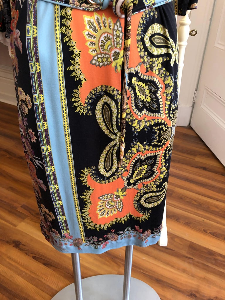 2017 ETRO  Silk Dress with Belt (42 ITL) In Excellent Condition For Sale In Port Hope, ON